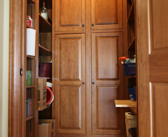 Cherry Stain | Walk-in Pantry