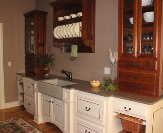 Lower Cabinets - Hard Maple w/ Latte Finish | Upper Cabinets - Cherry w/ Mahogany Stain